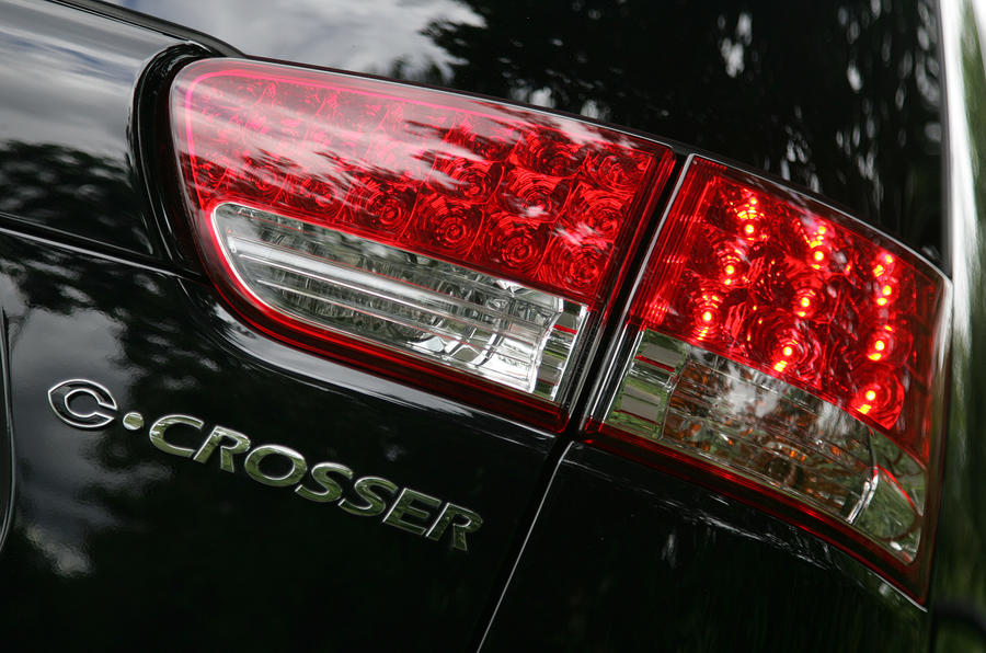 Citroën C-Crosser tail lights