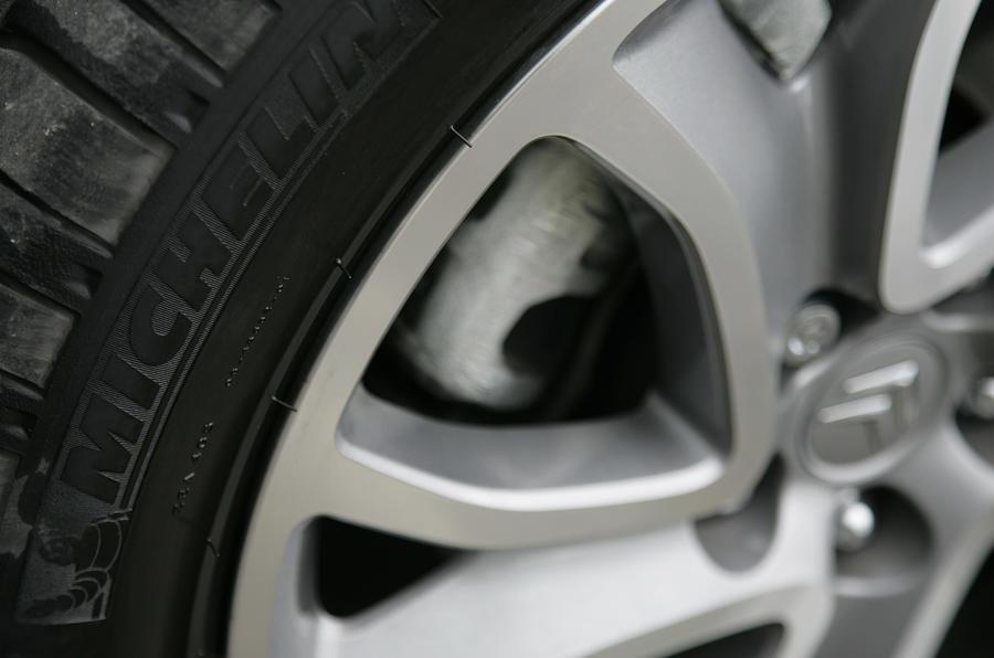 Citroën C-Crosser alloy wheels