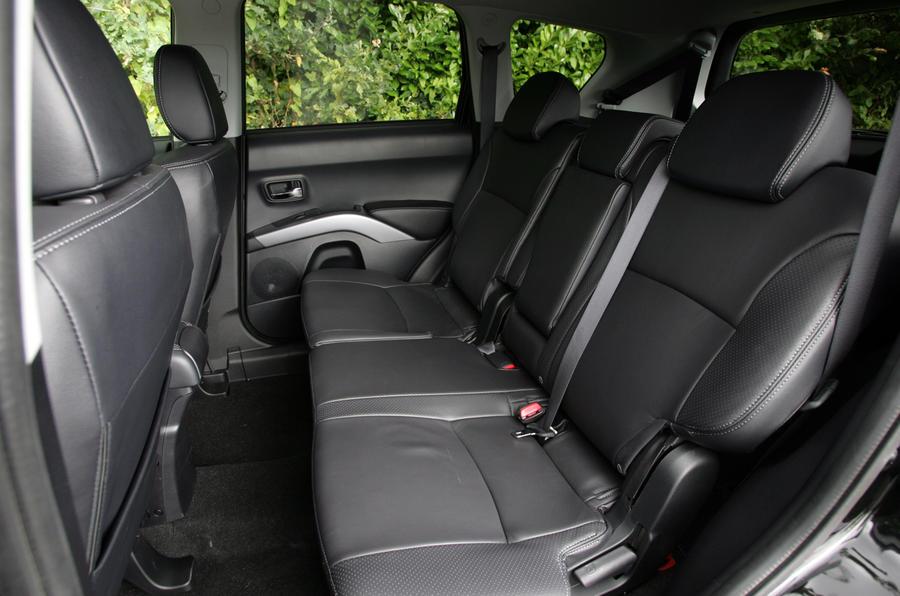 Citroën C-Crosser middle seats