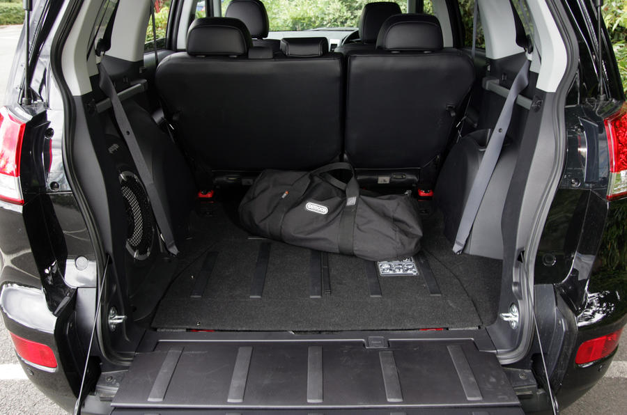 Citroën C-Crosser boot space