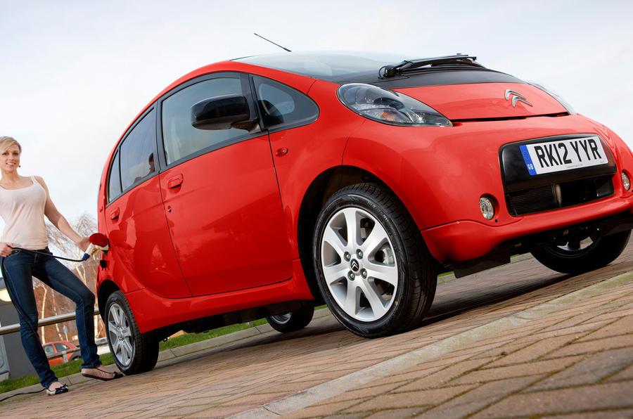 Citroën C-Zero recharging