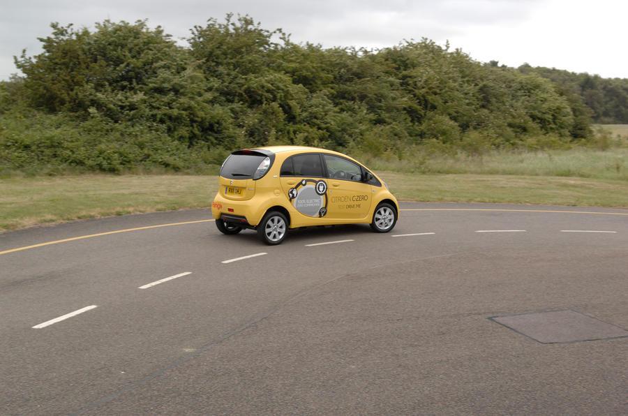 Citroën C-Zero rear cornering
