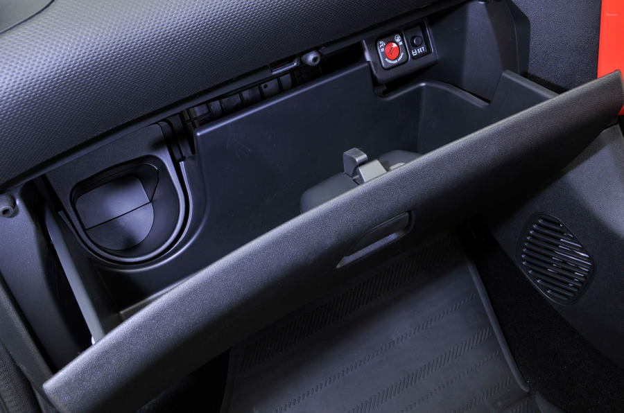 Citroen C1 glovebox