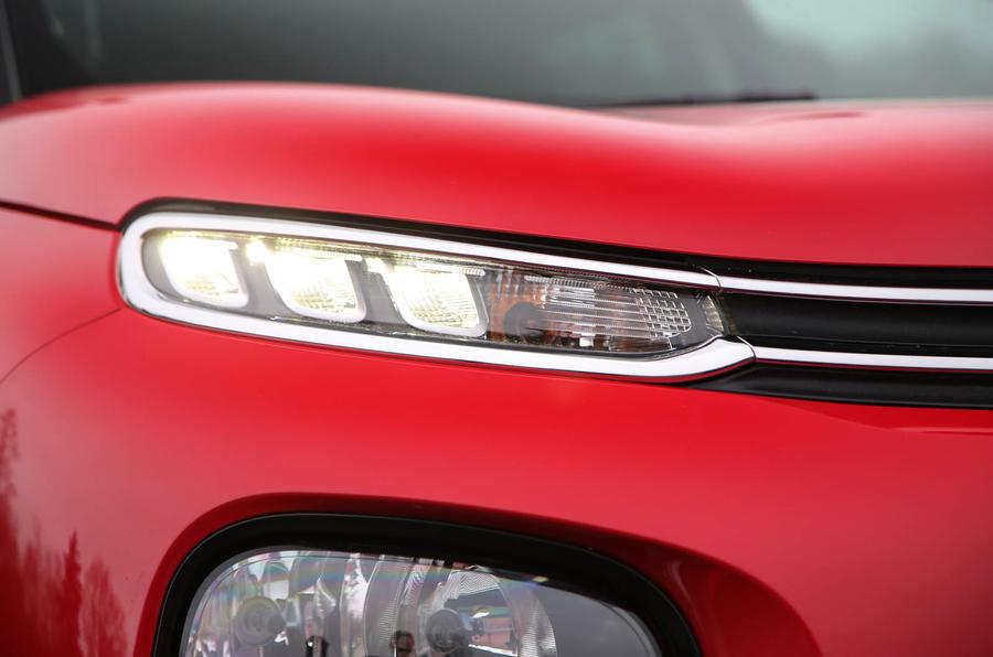 Citroen C3 Aircross 2018 review headlights