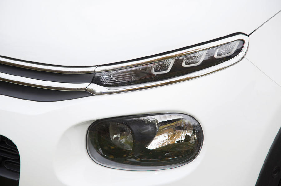 Citroën C3 headlights