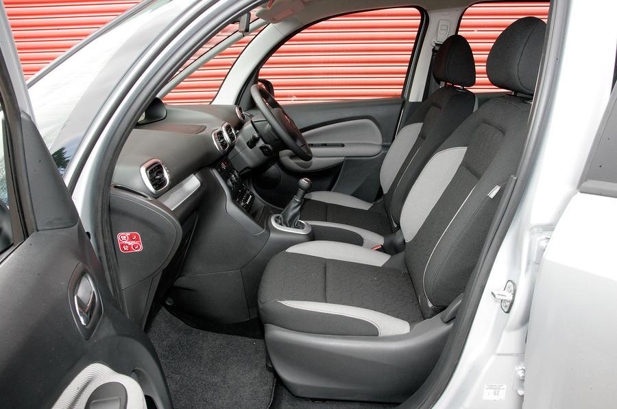 Citroën C3 Picasso front seats