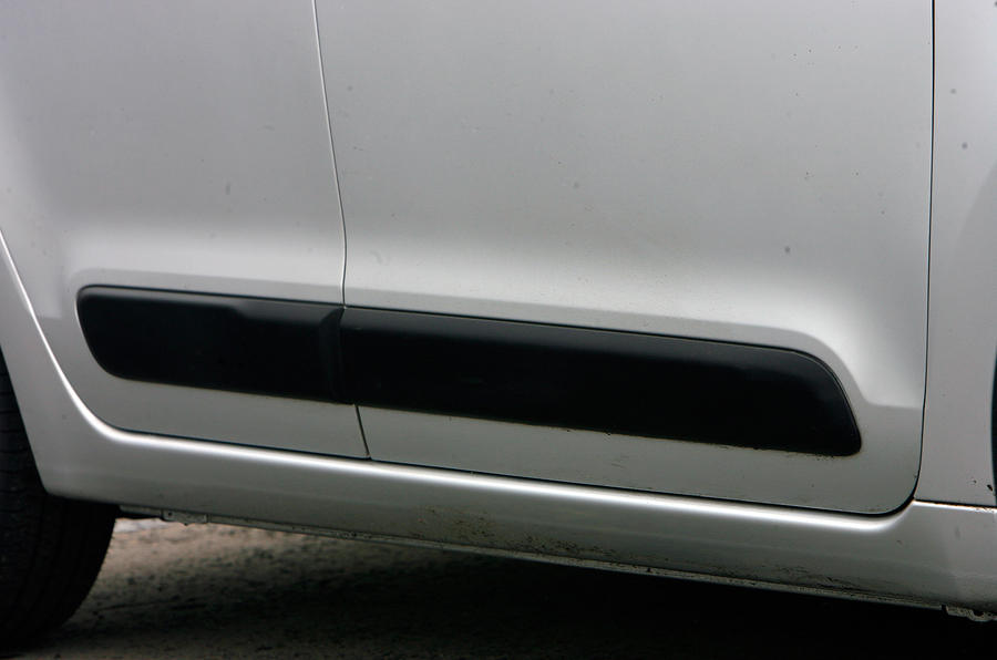 Citroën C3 Picasso side skirts