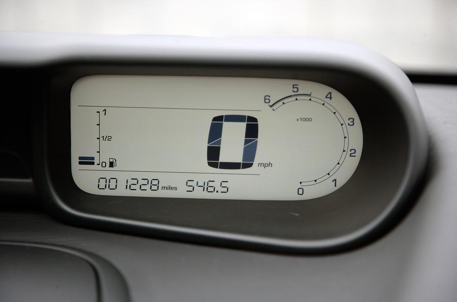 Citroën C3 Picasso digital speedometer