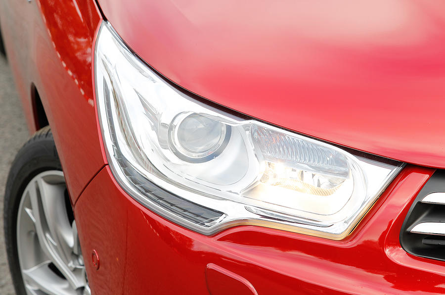 CItroën C4 bi-xenon headlights