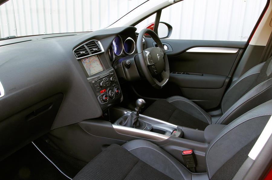 Citroën C4 front seats