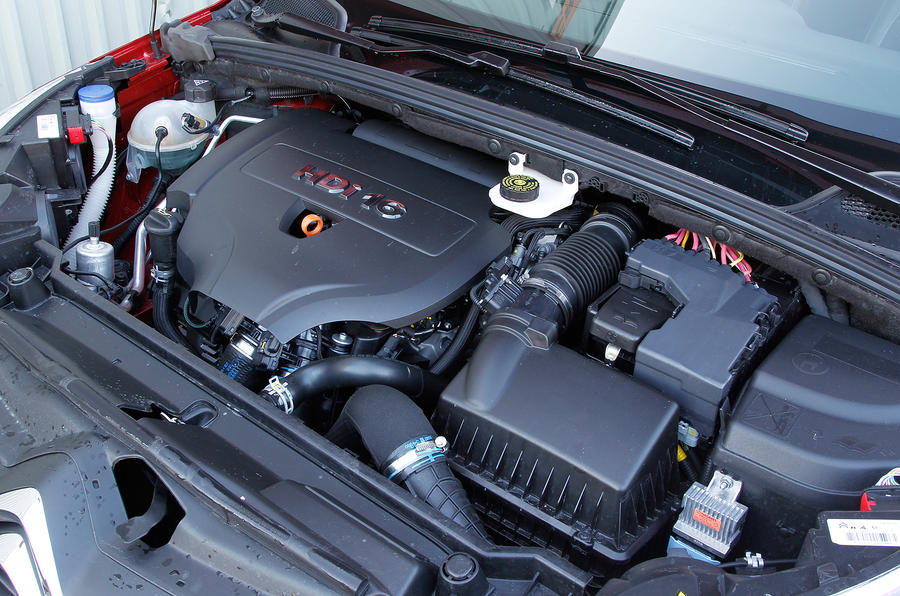 Citroën C4 engine bay