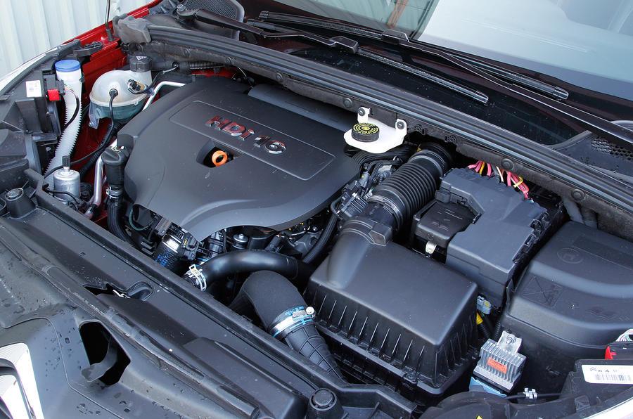 Citroën C4 engine bay