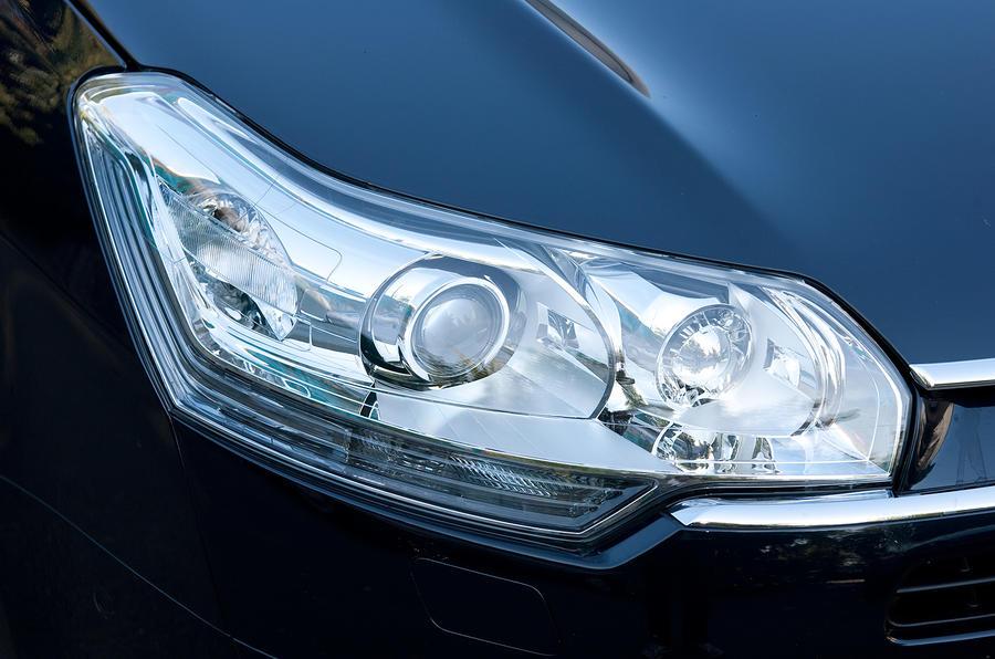 Citroën C5 headlights