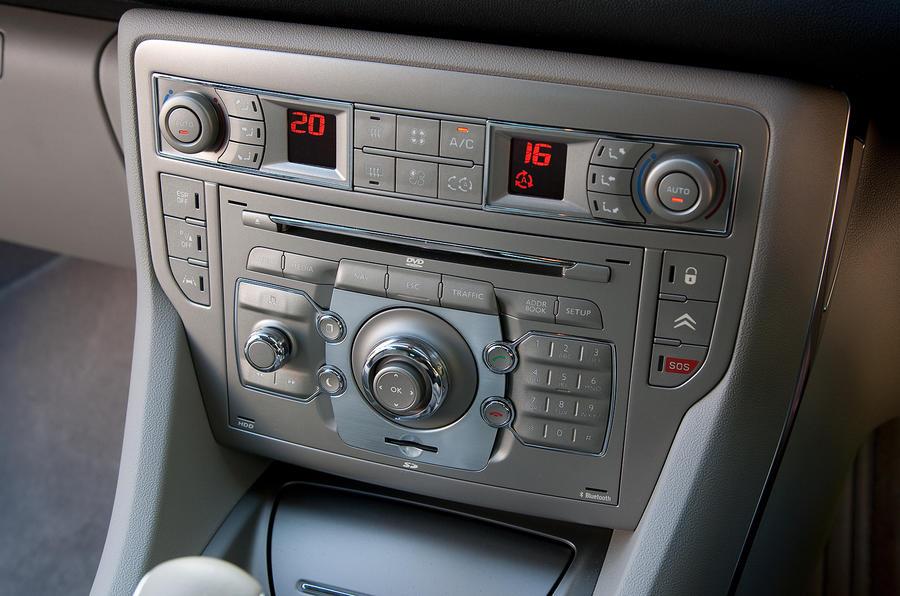 Citroën C5 climate control switchgear
