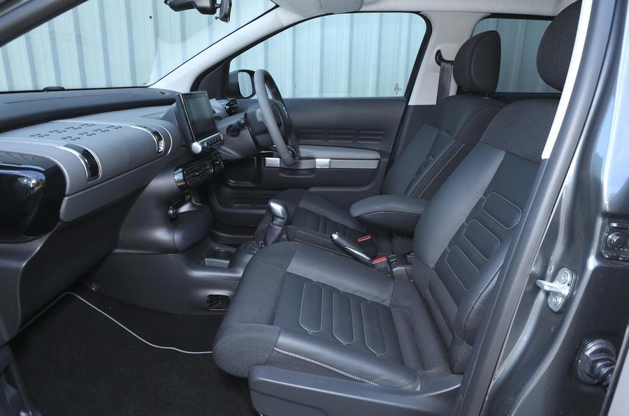 Citroën C4 Cactus front seats