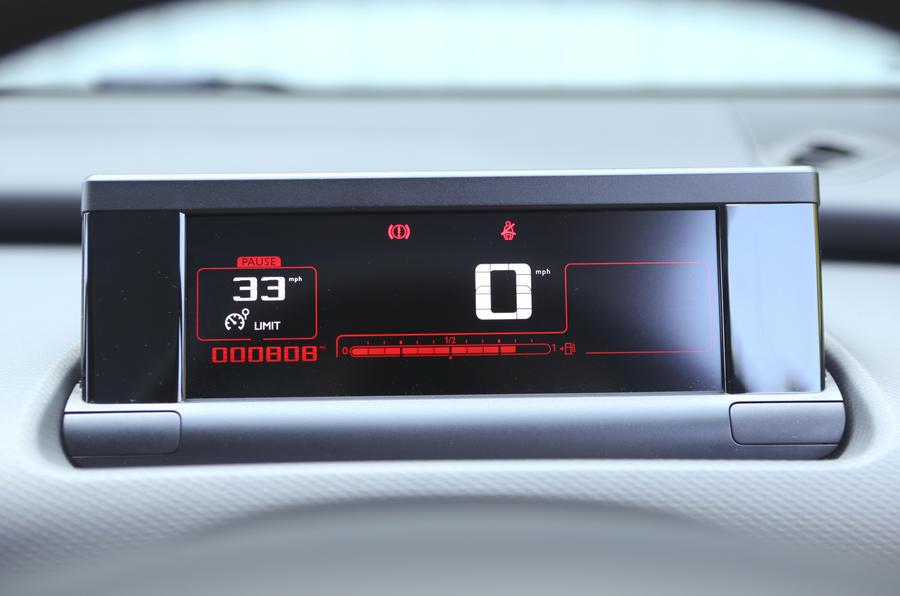 Citroën C4 Cactus speedometer