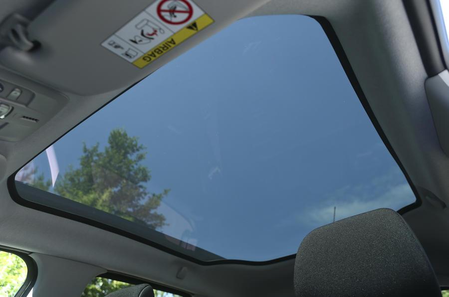 Citroën C4 Cactus panoramic sunroof