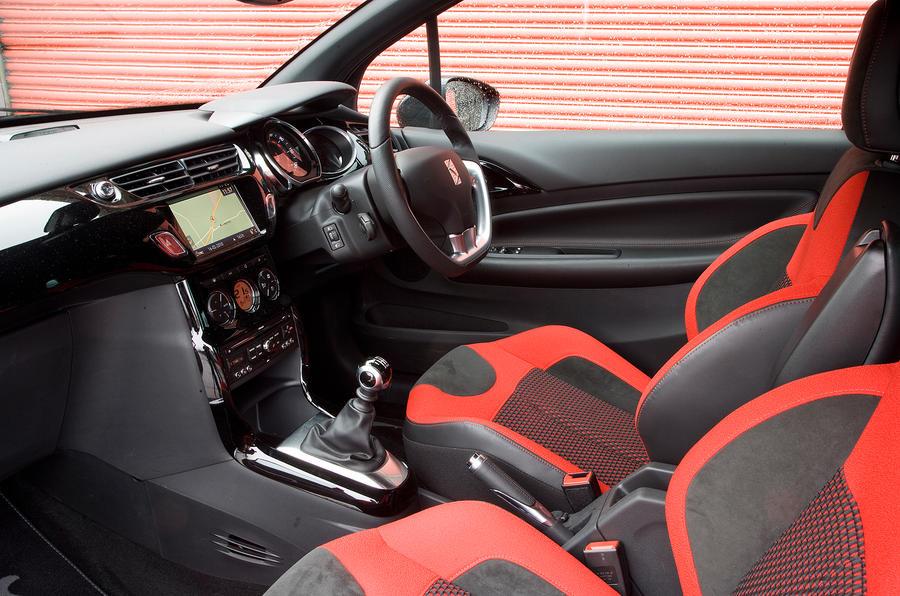 DS3 front seats