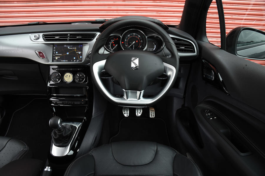DS 3 dashboard