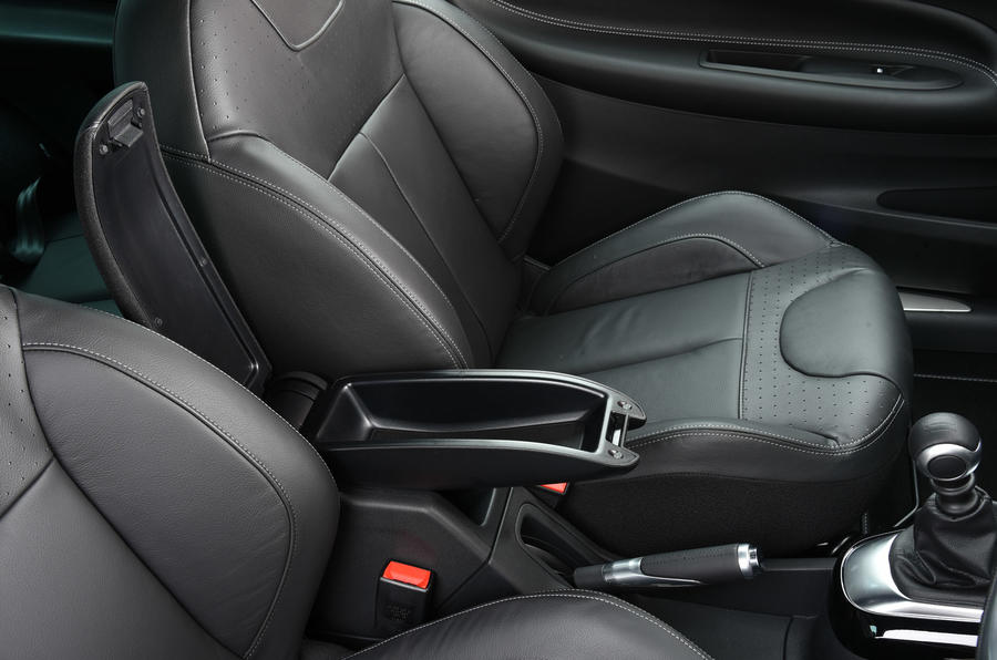 DS 3 front sport seats