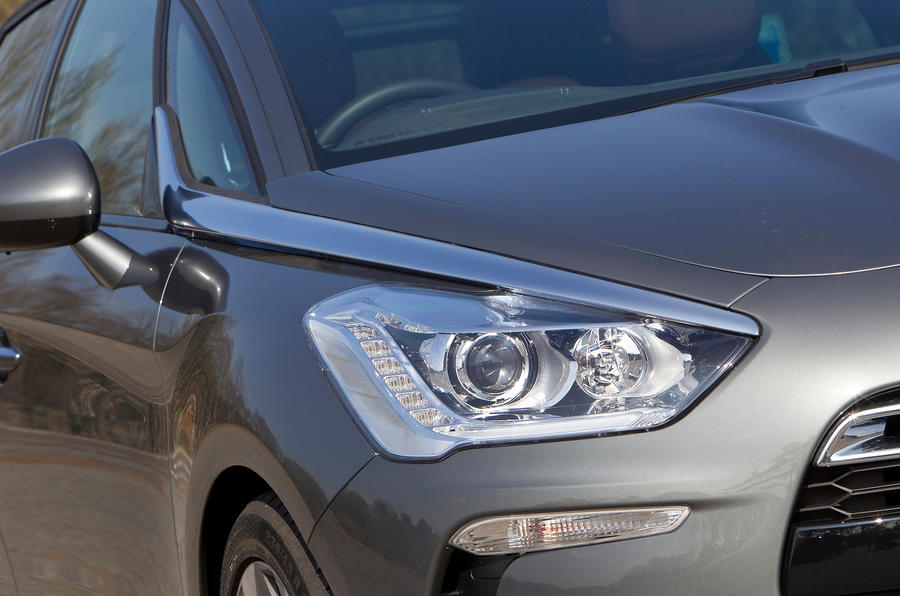 DS 5 headlight