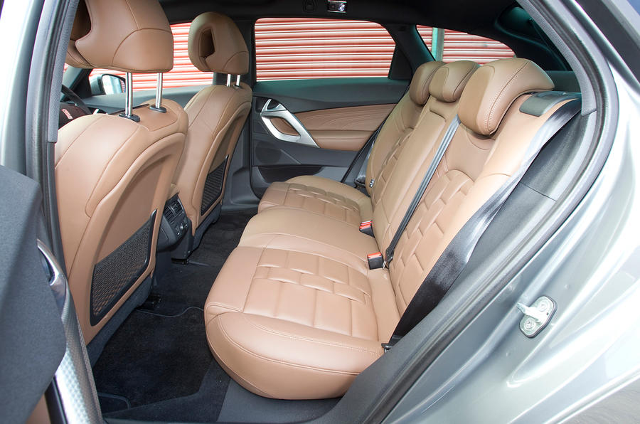DS 5 rear seats
