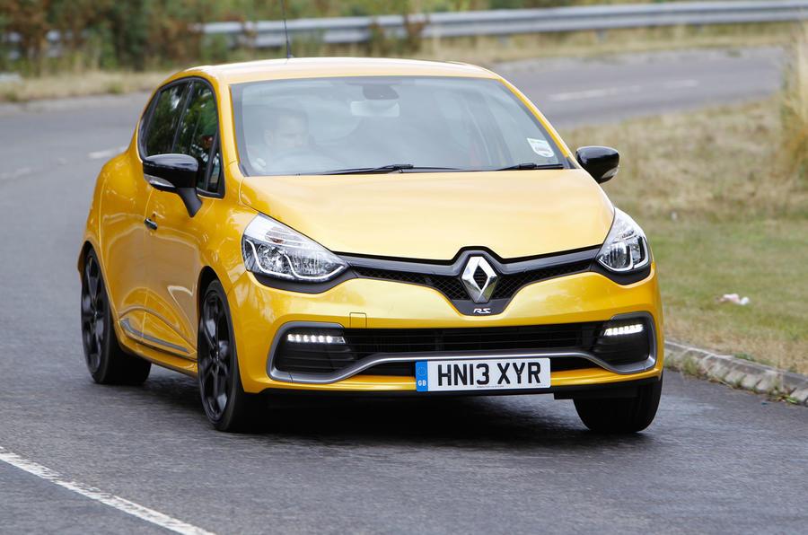 Renault Clio RS cornering
