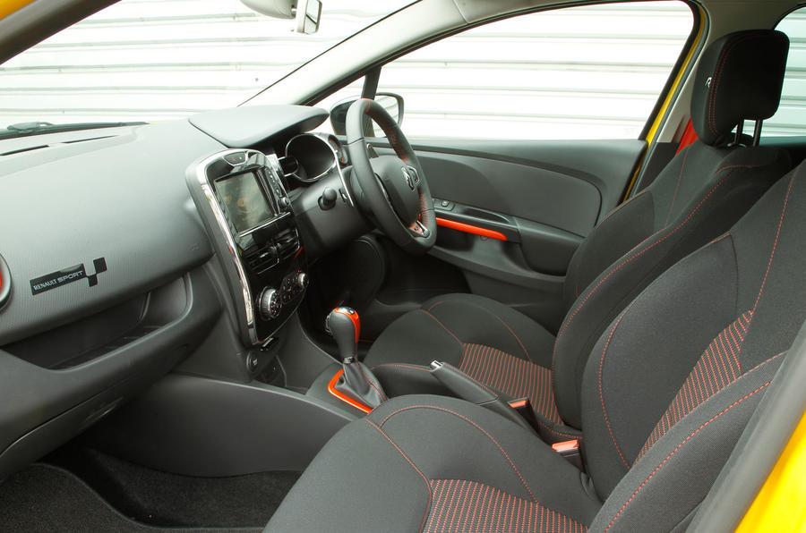 Renault Clio RS200 interior
