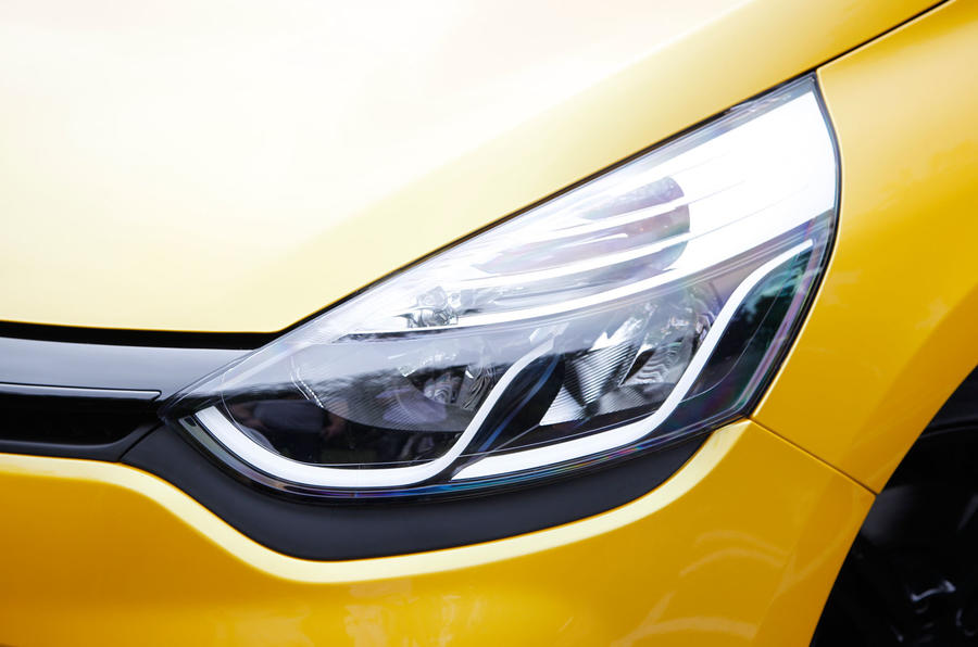 Renault Clio RS headlight
