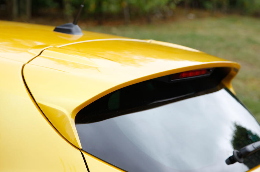 Renault Clio RS200 roof spoiler
