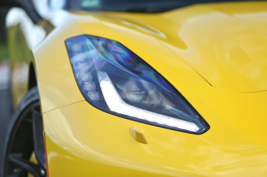 Corvette C7 Stingray headlights