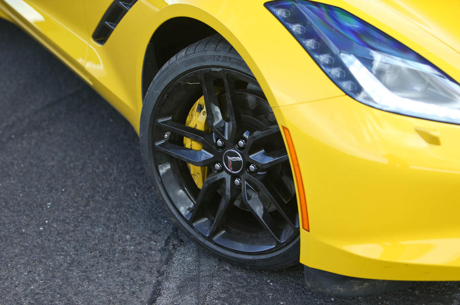 Corvette C7 Stingray black alloys