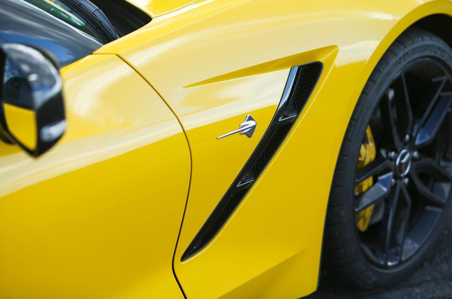 Corvette C7 Stingray front wings