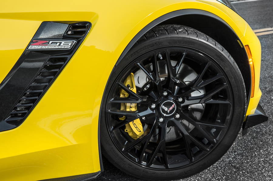 Corvette Z06 black alloy wheels