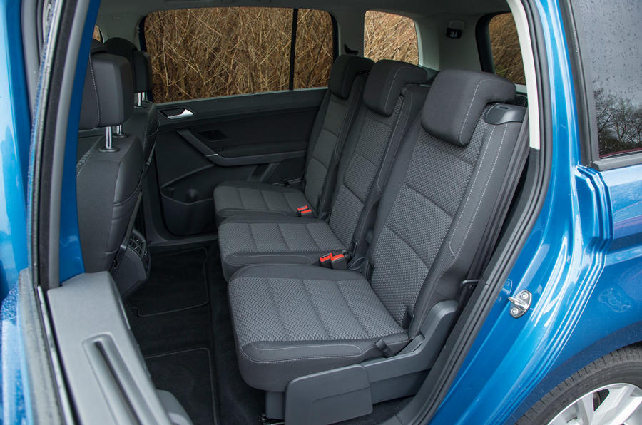 Volkswagen Touran middle seats