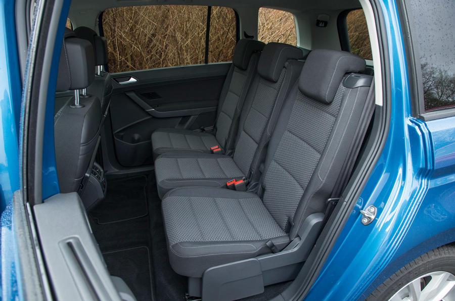 Volkswagen Touran middle seats