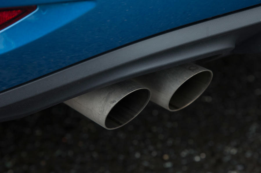 Twin Volkswagen Touran exhausts