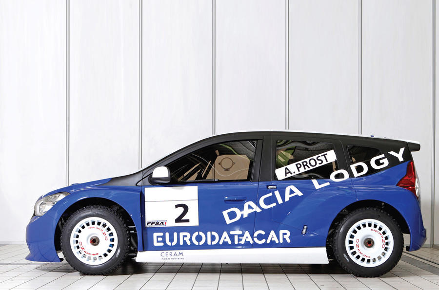 Dacia Lodgy ice racer shown