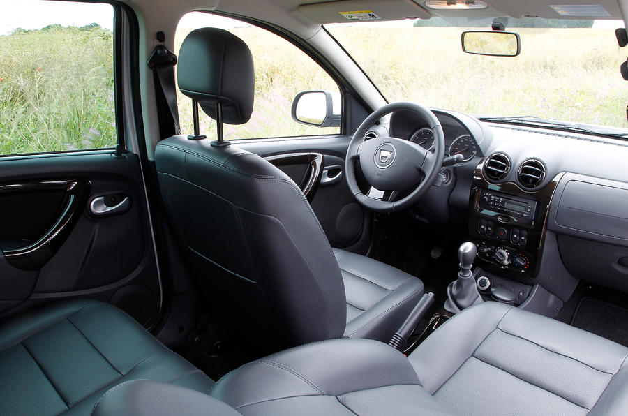 A view of the front cabin in the Dacia Duster