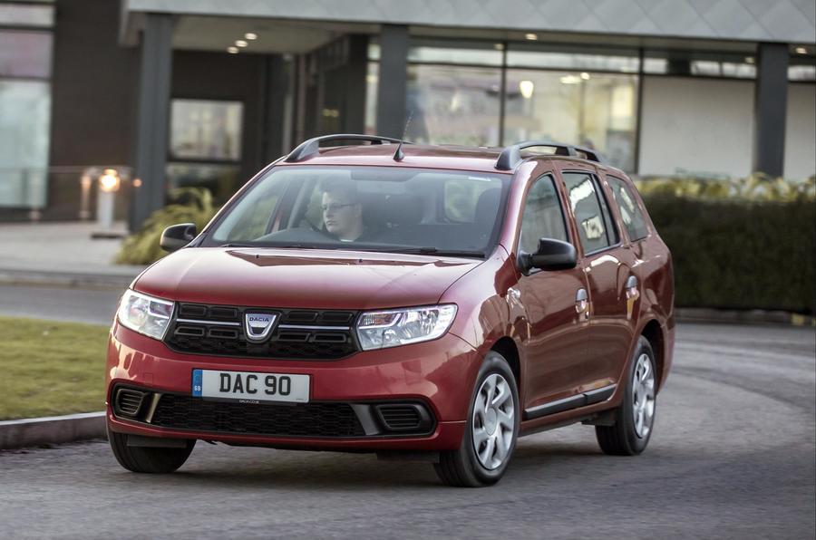 Dacia Logan MCV cornering