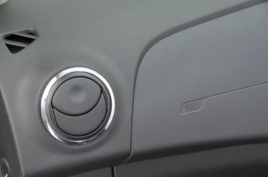 Dacia Sandero air vents