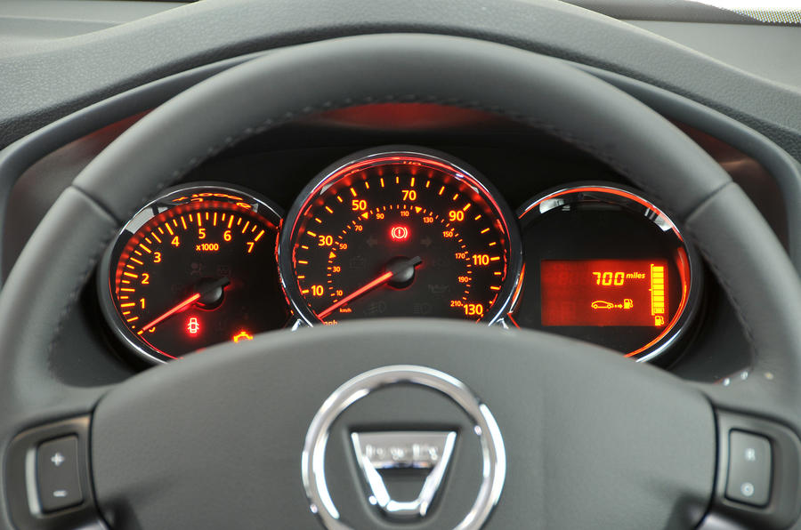 Dacia Sandero instrument cluster
