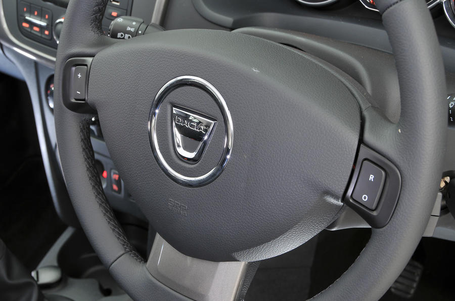 Dacia Sandero steering wheel