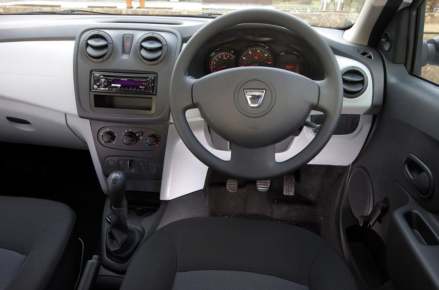 Dacia Sandero Access dashboard