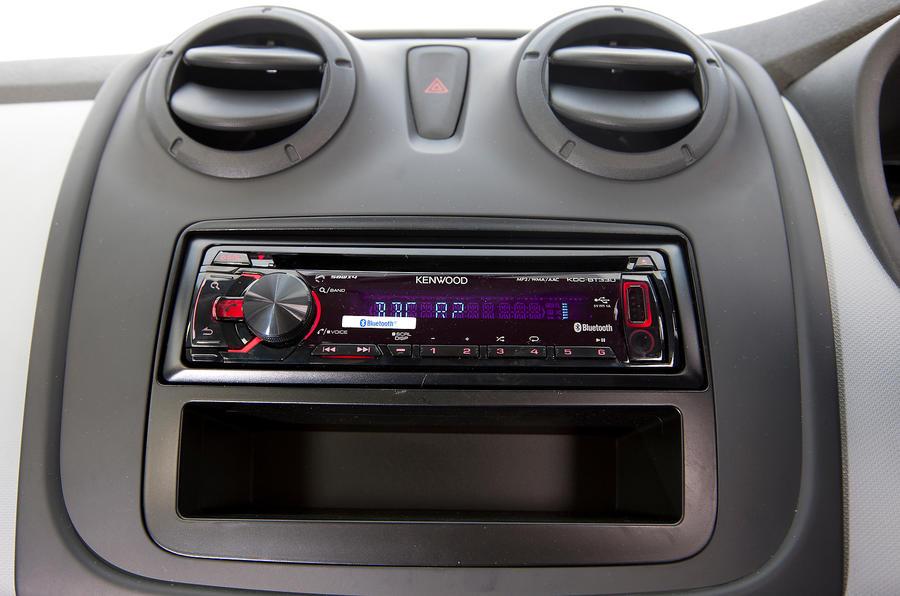 Dacia Sandero Access infotainment