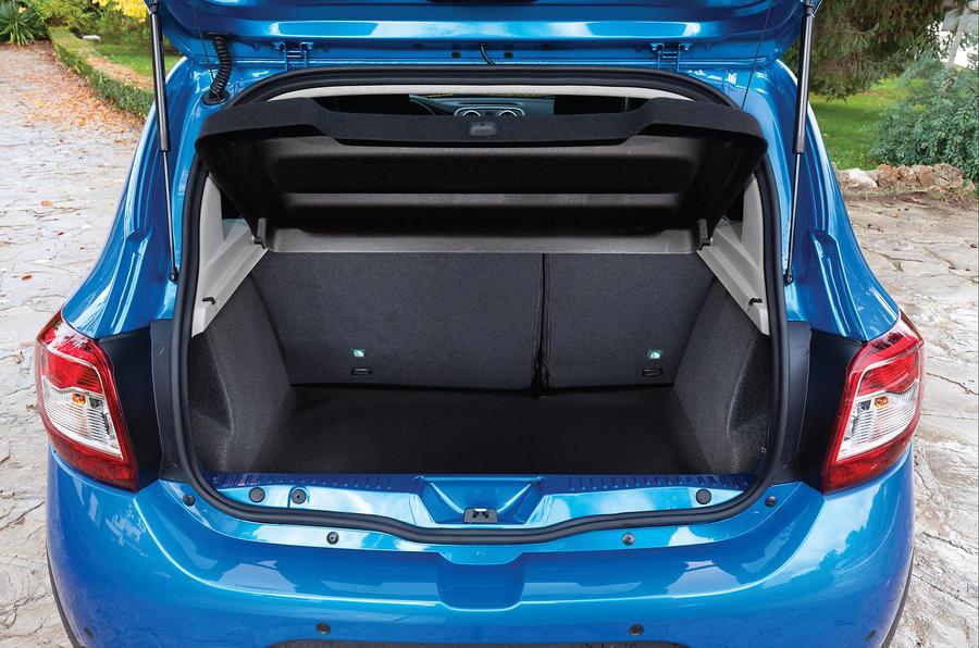 dacia sandero stepway review 2017 autocar. Black Bedroom Furniture Sets. Home Design Ideas