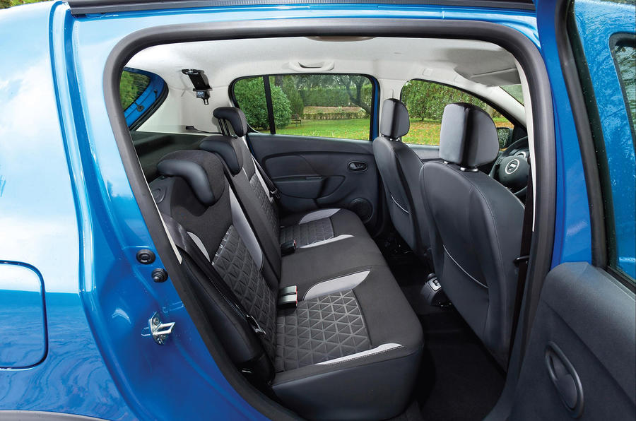 Dacia Sandero Stepway rear seats
