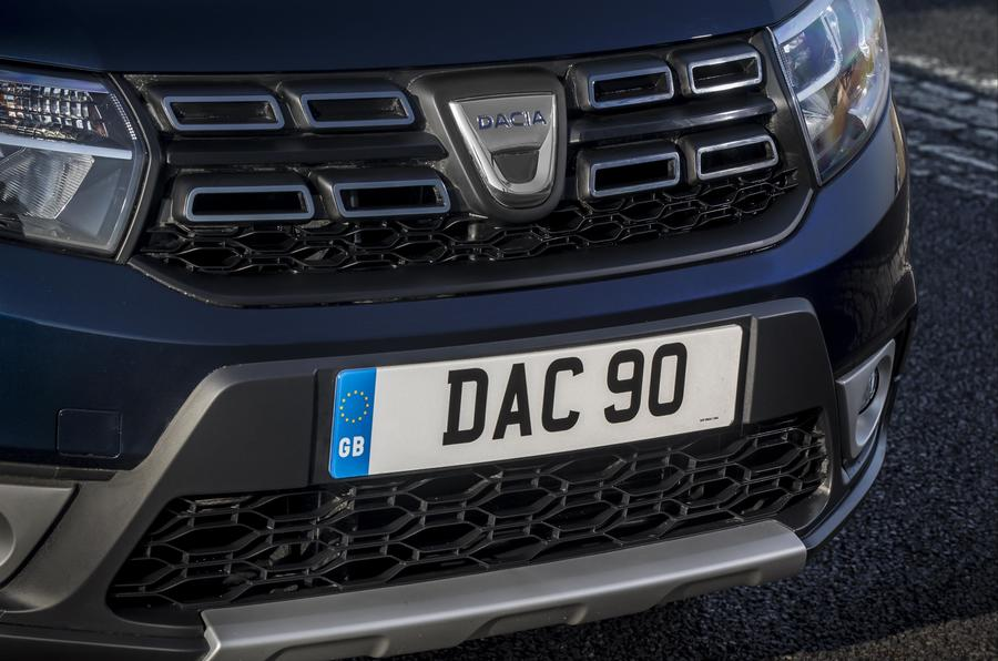 Dacia Sandero Stepway headlights