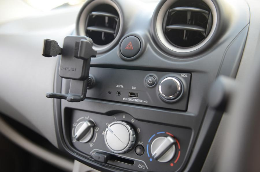 Datsun Go centre console