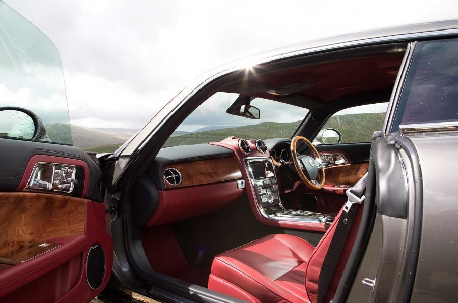 DB Speedback GT interior
